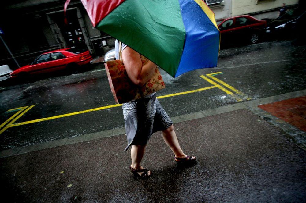 Vreme danas oblačno, mestimično sa kišom