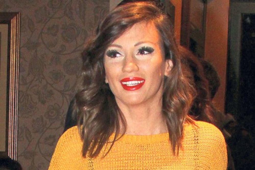 (VIDEO) Ana Kokić objavila deo novog singla