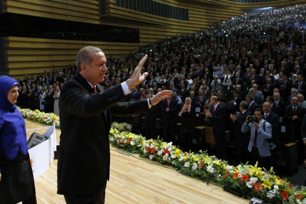PREDIZBORNO OBEĆANJE: Erdogan najavio nov ustav ako bude izabran za presednika zemlje