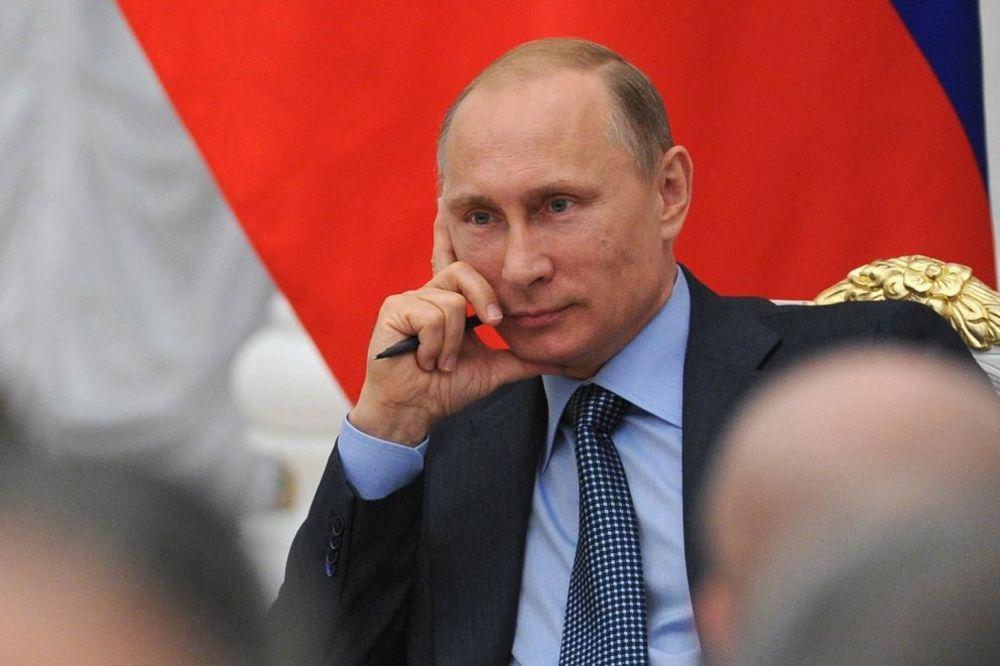 IZBEĆI KRVOPROLIĆE: Putin traži humanitarni koridor za opkoljene ukrajinske vojnike
