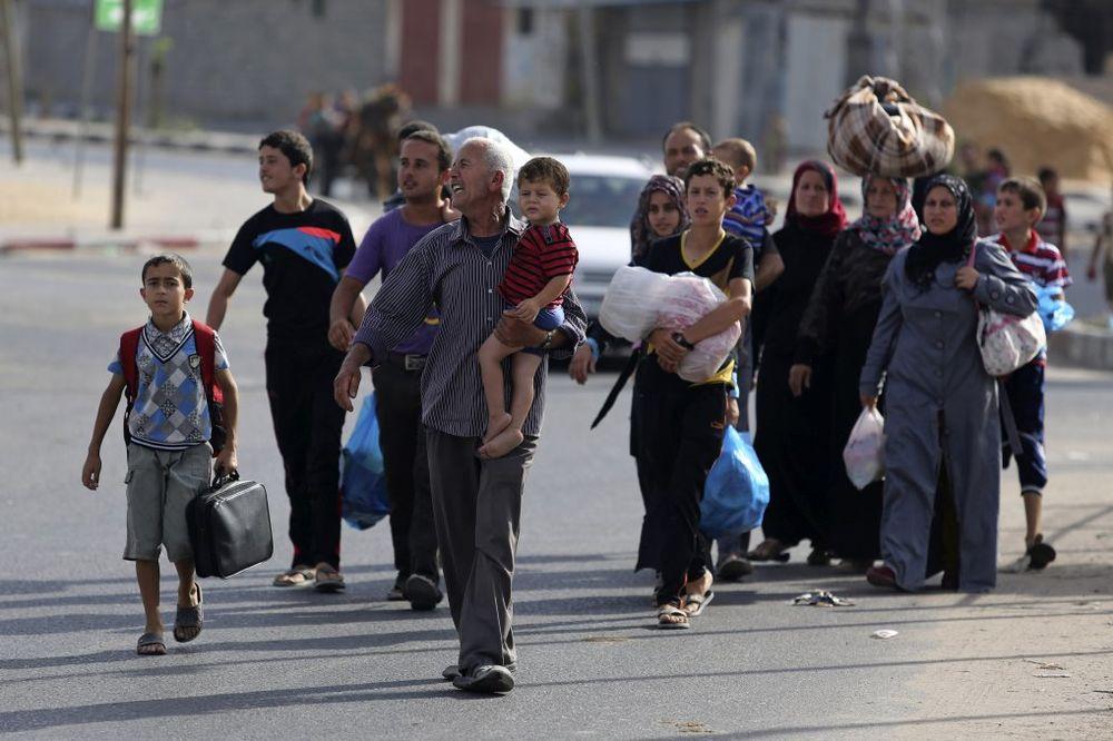 NASTAVLJENI VAZDUŠNI UDARI: Hiljade Palestinaca napustilo severnu Gazu