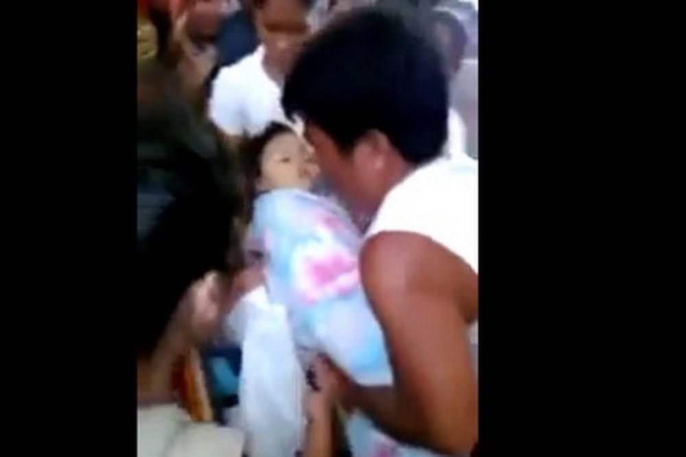 BEZ SREĆNOG KRAJA: Devojčica koja je oživela na sahrani ponovo proglašena mrtvom!