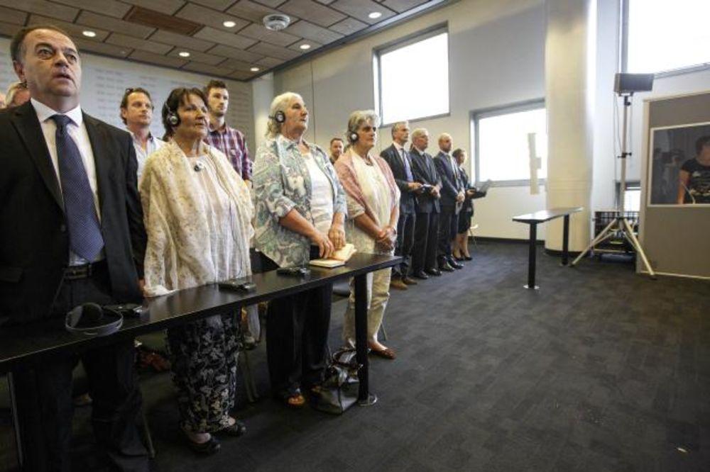 SUD U HAGU: Holandija kriva za smrt 300 ljudi u Srebrenici