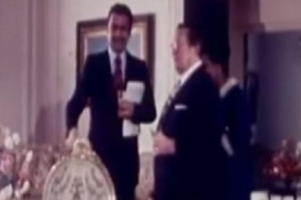 (VIDEO) Tito: Mogu ja i bez štapa da popijem viski!