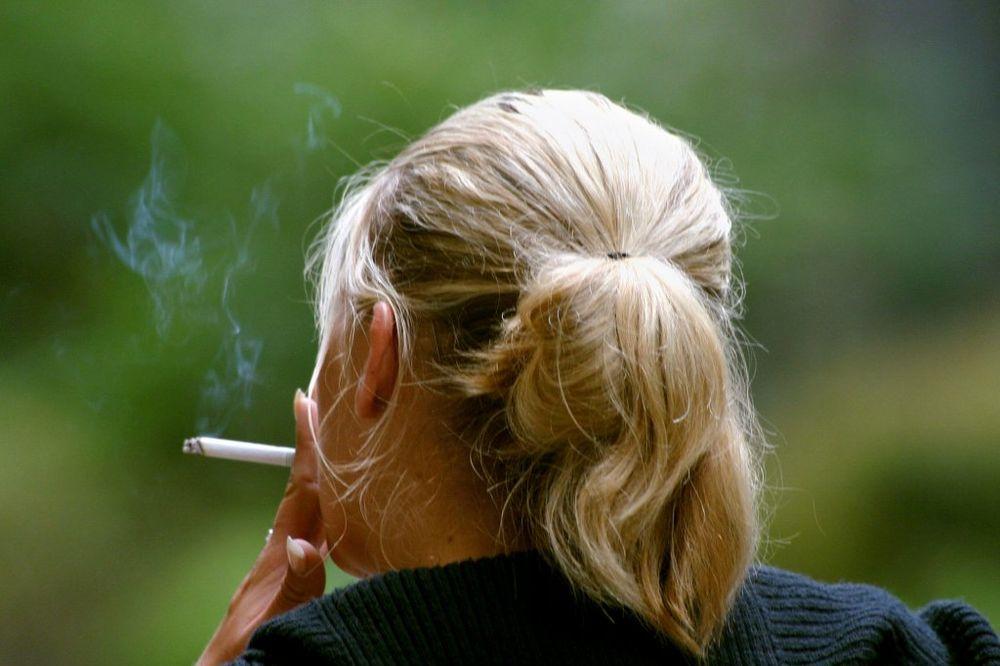 RIGOROZNO: Devojka (17) završila u zatvoru jer je pušila kada je imala 14 godina!