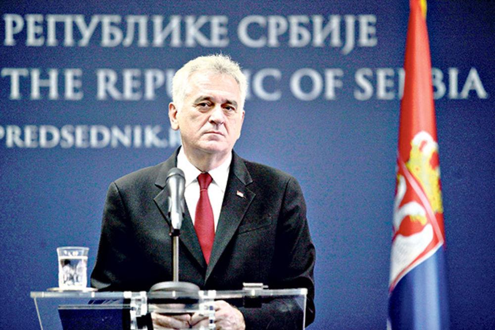 Tomislav Nikolić: Nije Vučiću lako