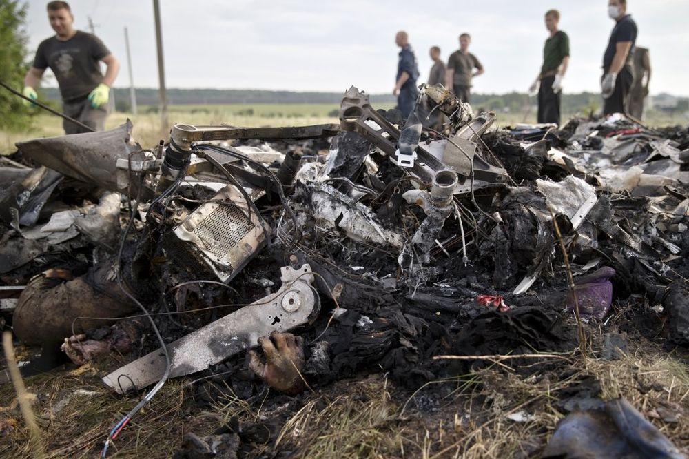 UZNEMIRUJUĆE OTKRIĆE: Putnik oborenog malezijskog aviona imao masku za kiseonik