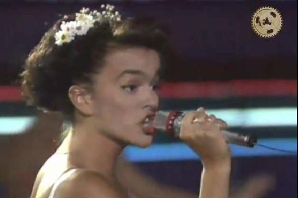 DEBI NA SPLITSKOM FESTIVALU: Pogledajte kako je Severina izgledala 1990. godine