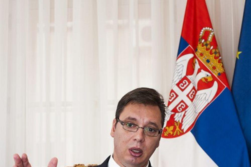 VUČIĆ: Ne balansiramo između EU i Rusije