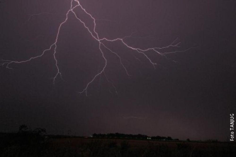 JAKO NEVREME U ZAGREBU: Padalo do 50 litara kiše po kvadratu