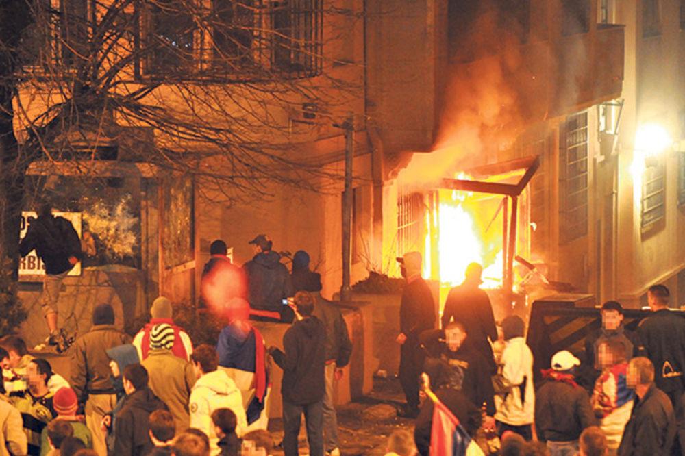 (VIDEO) AMBASADOR VILHELM: Pronaći ko je naredio paljenje ambasada u Beogradu!