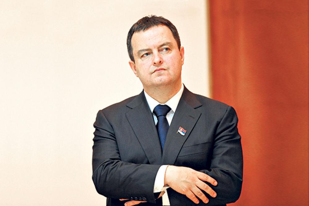 Dačić: Ovo je smišljena politička provokacija da bi se stvorili neredi u Beogradu!
