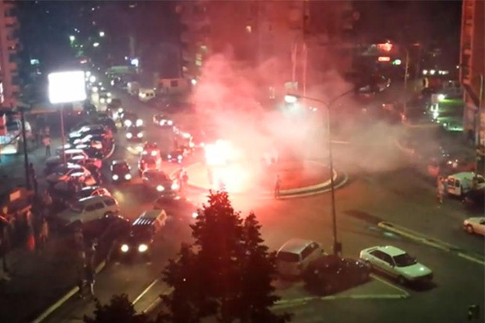 VIDEO: Pogledajte kako se titula vaterpolista slavila u Kosovskoj Mitrovici, Herceg Novom i Igalu