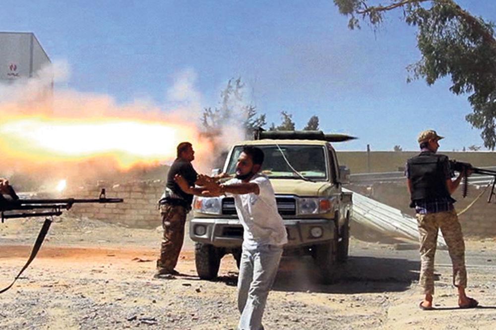 SRBI ZAROBLJENI U LIBIJI: Projektil pogodio sedište srpskog ambasadora!