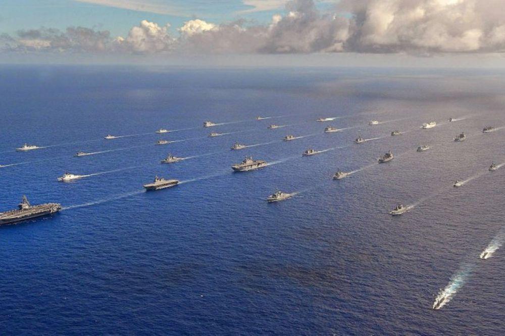 (VIDEO) OVO SE VIĐA JEDNOM U ŽIVOTU: 38 brodova i 4 podmornice američke mornarice plove zajedno!