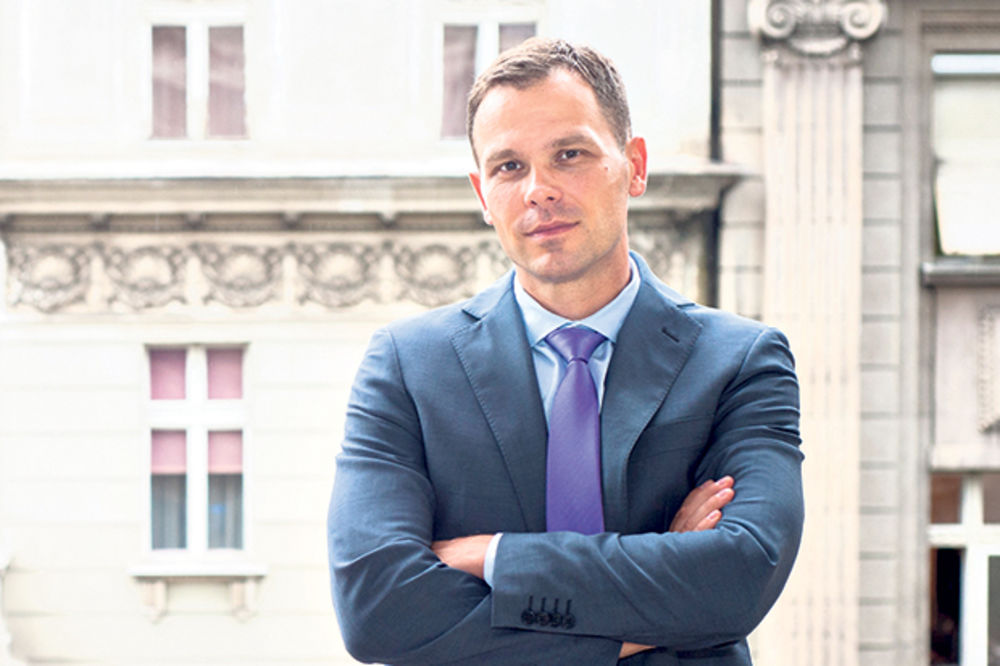 MALI: Andreja Mladenović ostaje zamenik ako se s tim složi SNS