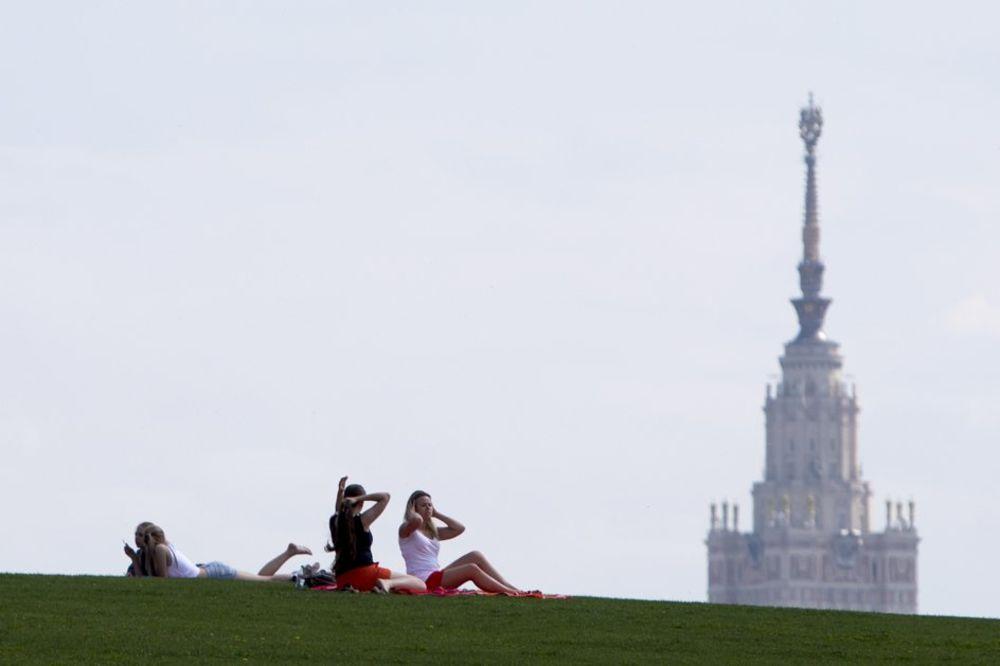 TROPSKO LETO: U Moskvi juče bio najtopliji dan ove godine - čitavih 32,9 stepeni!