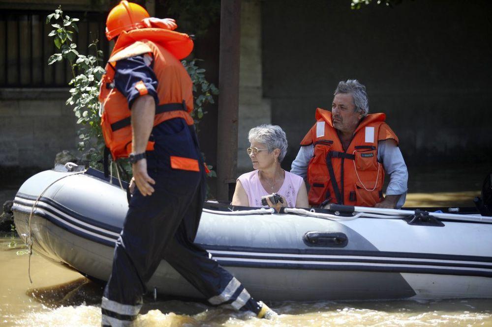 Poplave ubile više od 17 ljudi