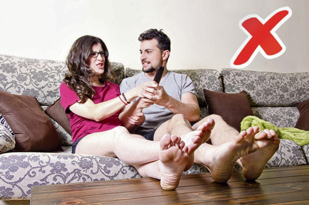 VOLE RAZLIČITE EMISIJE: Muž Nišlija (43) bacio ženu (49) na pod zbog svađe oko TV?!