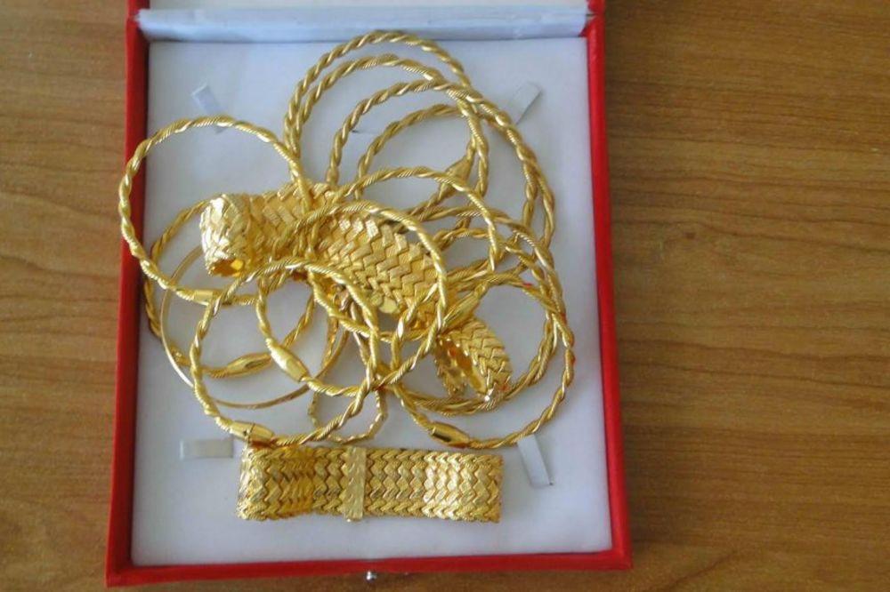 USPEŠNA AKCIJA CARINE: Na Preševu i Gradini otkriven zlatan nakit vredan 3,5 miliona dinara!