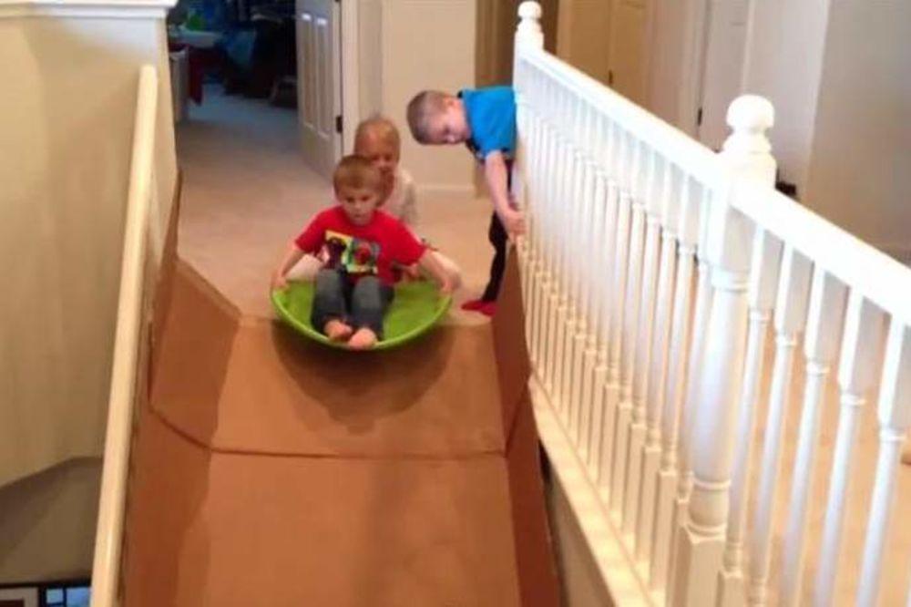 ZABAVA U KUĆI: I vaše dete može imati tobogan uz malo mašte!