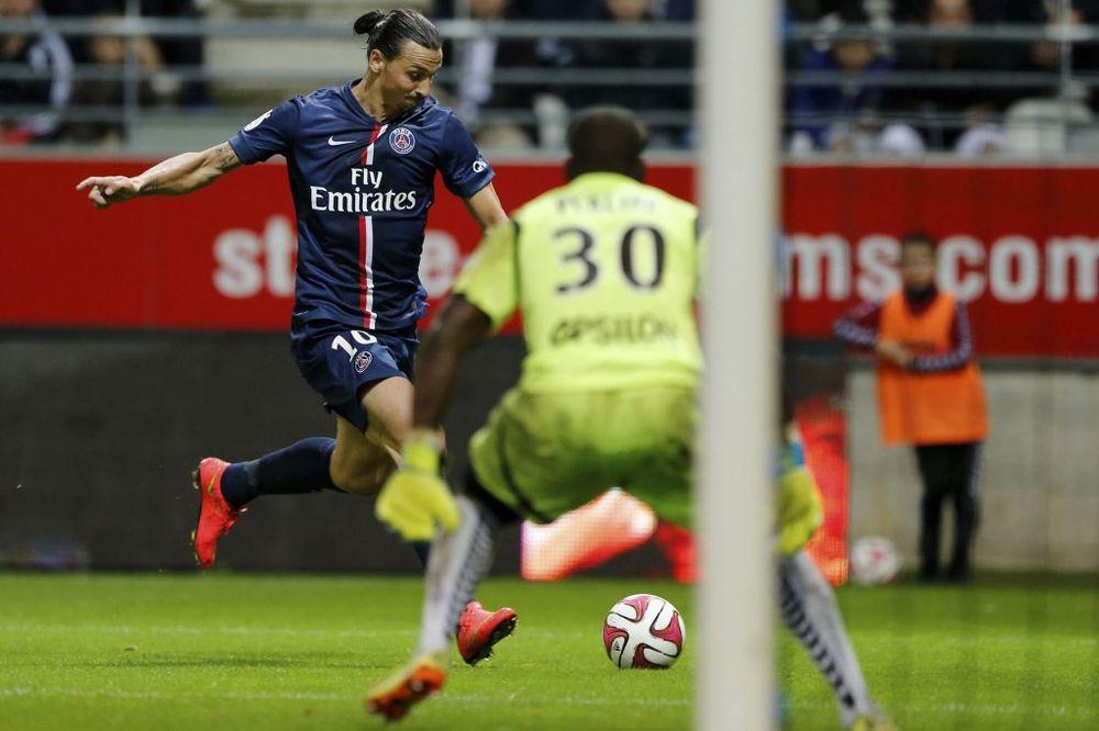 BIVŠI GOLMAN VREĐAO ZLATANA: Ibrahimović je previše glup, u glavi ima samo dve daske