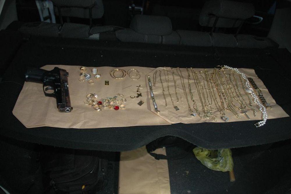 ZLATO ZAKOPAO U ŠUMI KOD BEOGRADA: Uhapšen treći saučesnik u krađi nakita i deviza!