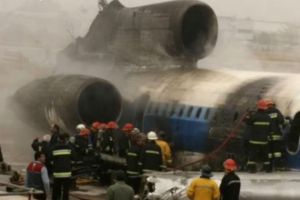 (VIDEO) NOV BILANS: 38 mrtvih, 9 preživelih u padu aviona na Teheran