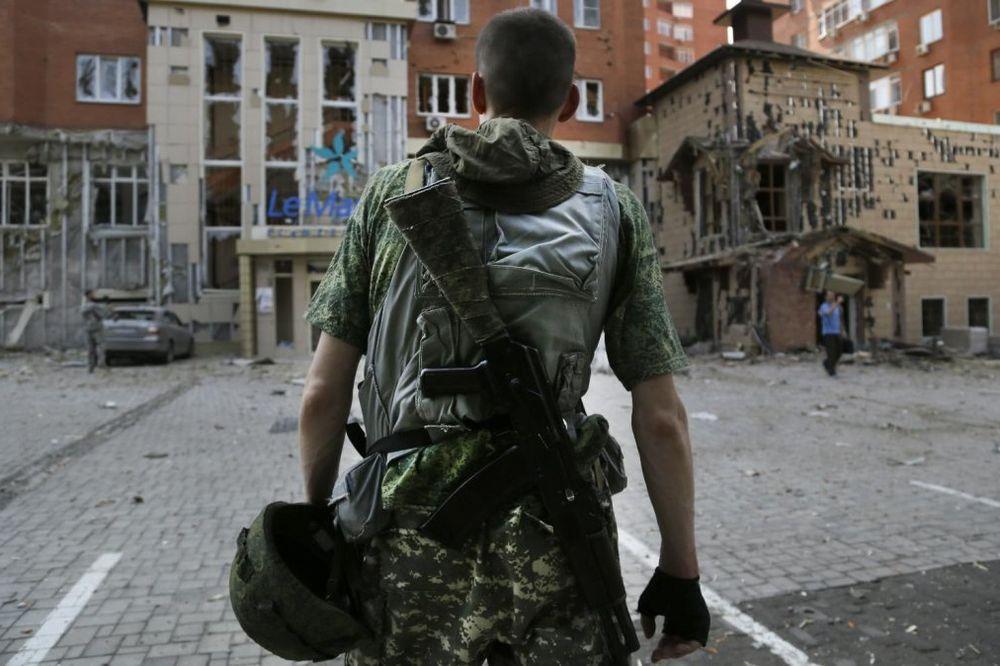 UKRAJINA SE RASPADA PO UZORU NA SFRJ: Da li je scenario krvavog ratnog sukoba već napisan?
