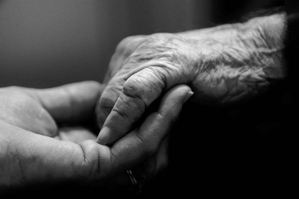 ZATVORENO 6 ILEGALNIH DOMOVA: Ima li dovoljno mesta u domovima za stare?