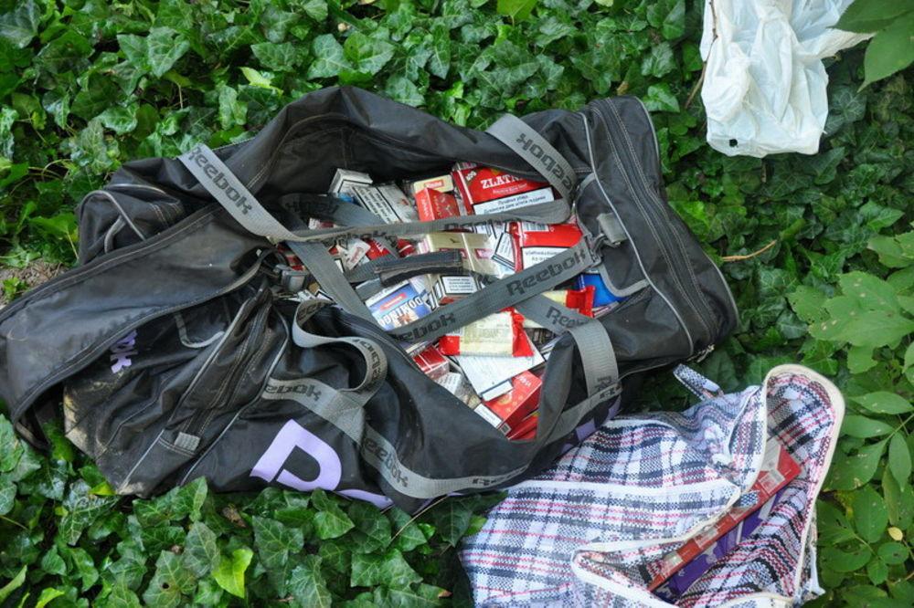 UHAPŠEN SOMBORAC: Provalio u prodavnicu pokrao cigarete i alkohol!