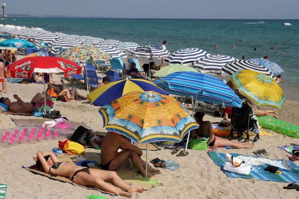 A KUKAMO DA NEMAMO: Srpski turisti na letovanja potroše milijardu evra!