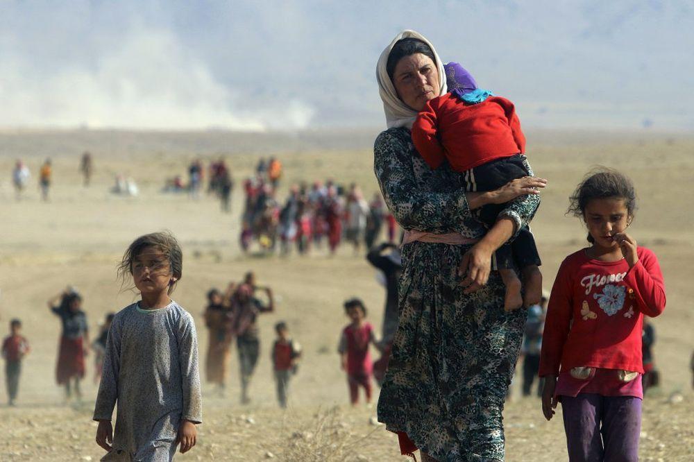 TESNO: Prihvatni centri prebukirani nove izbeglice će morati da smeštaju u hale!