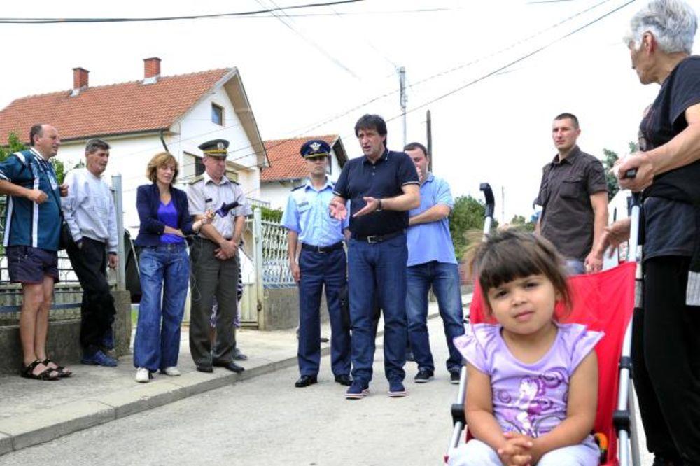 MINISTAR ODBRANE: Pripadnici VS u utorak počinju obnovu kuća u Obrenovcu!
