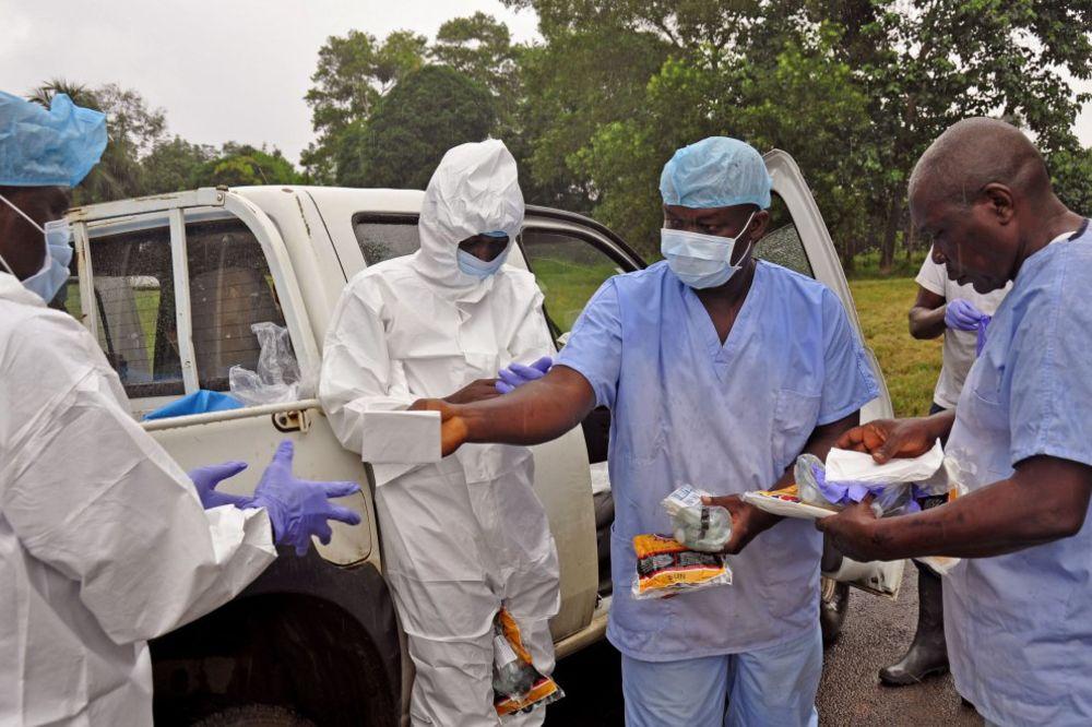 LEKARI BEZ GRANICA: Svet gubi bitku sa ebolom!
