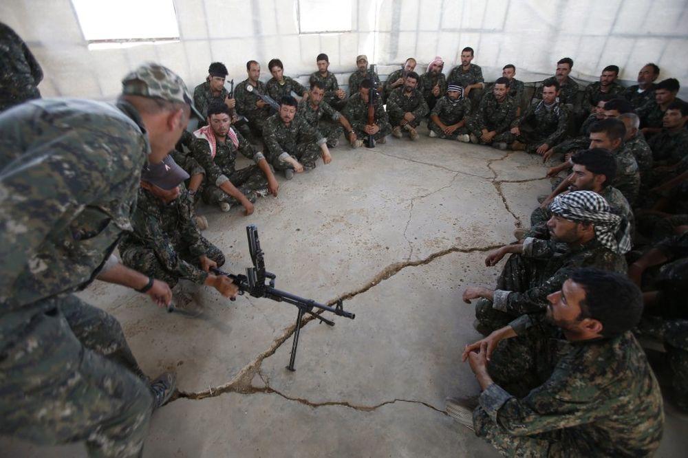 VOĐA SIRIJSKIH KURDA: Jazidima na Sindžaru potrebno oružje!