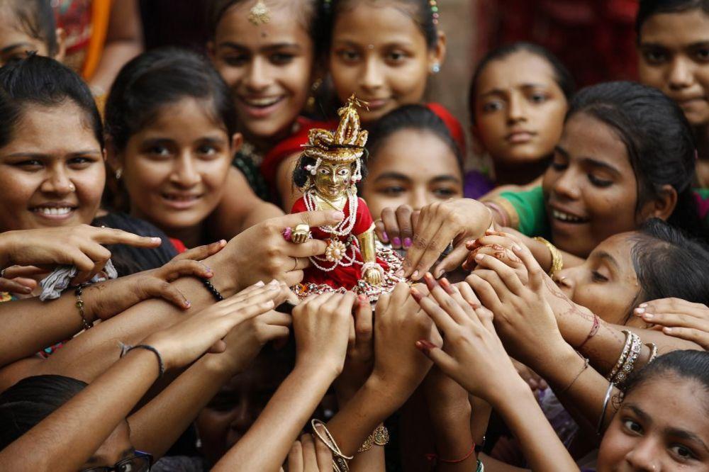 POBUNA U INDIJI: Novopečene mlade napustile muževe jer nisu imali toalete