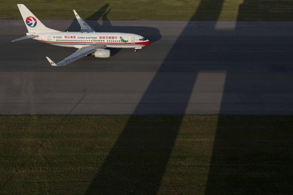 PILOT I PUTNICI U ŠOKU: Avion morao da kruži po nebu dok nisu probudili kontrolore leta!