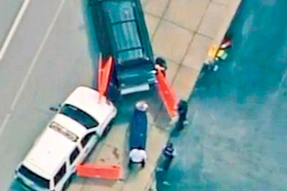 UŽAS: Policajac ubio Afroamerikanca!