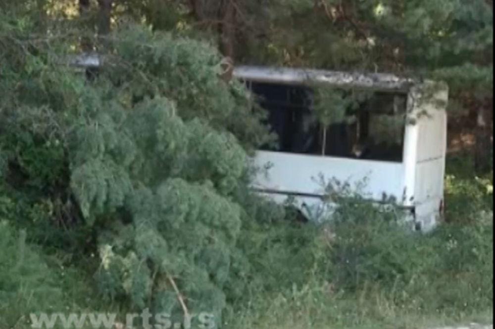 TRAGEDIJA KOD SOKOBANJE: Autobus sleteo s puta, muškarac poginuo, 10 povređeno!