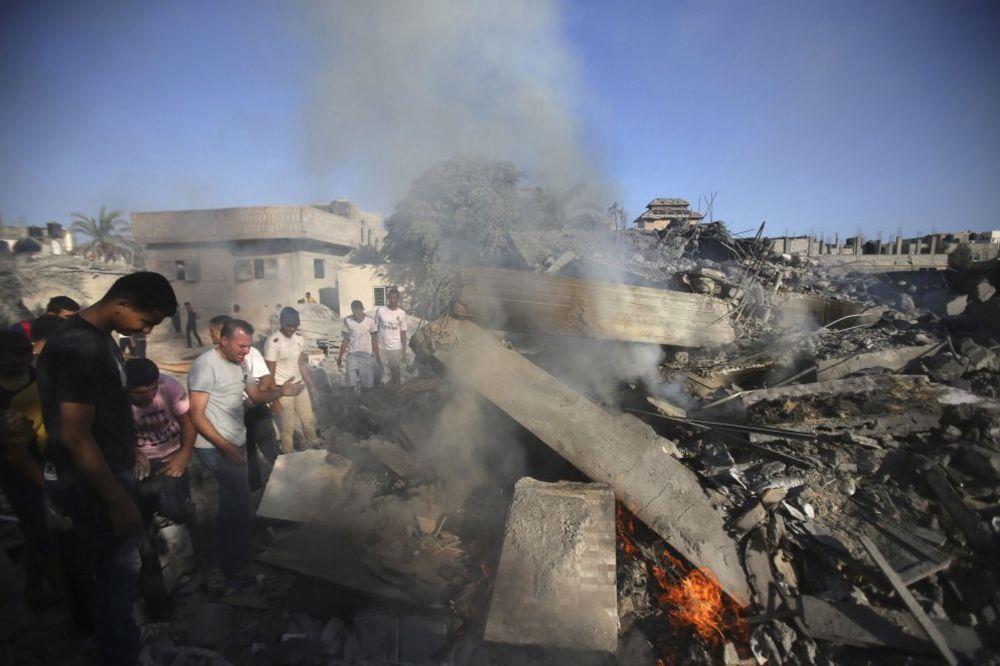 IZRAEL LOVI TERORISTE: Trojica vođa vojnog krila Hamasa ubijena u Gazi