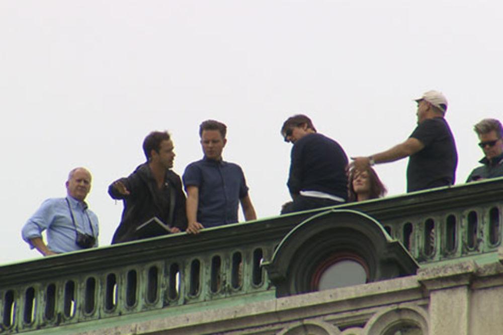 (FOTO) AKCIJA: Tom Kruz će noći provoditi na krovu Bečke opere!