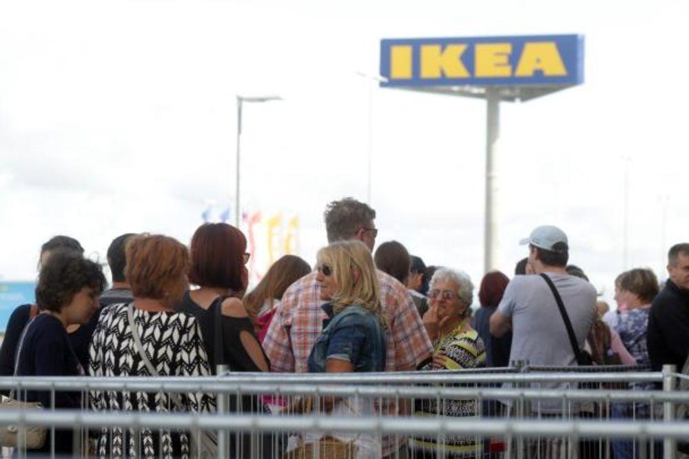 HRVATSKA DOBILA PRVU IKEU: Čekali u redovima da uđu u radnju
