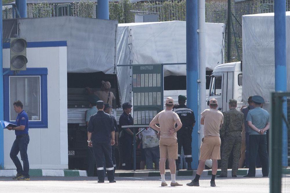 NAČEKALI SE: Počela provera ruskog konvoja na ukrajinskom graničnom prelazu