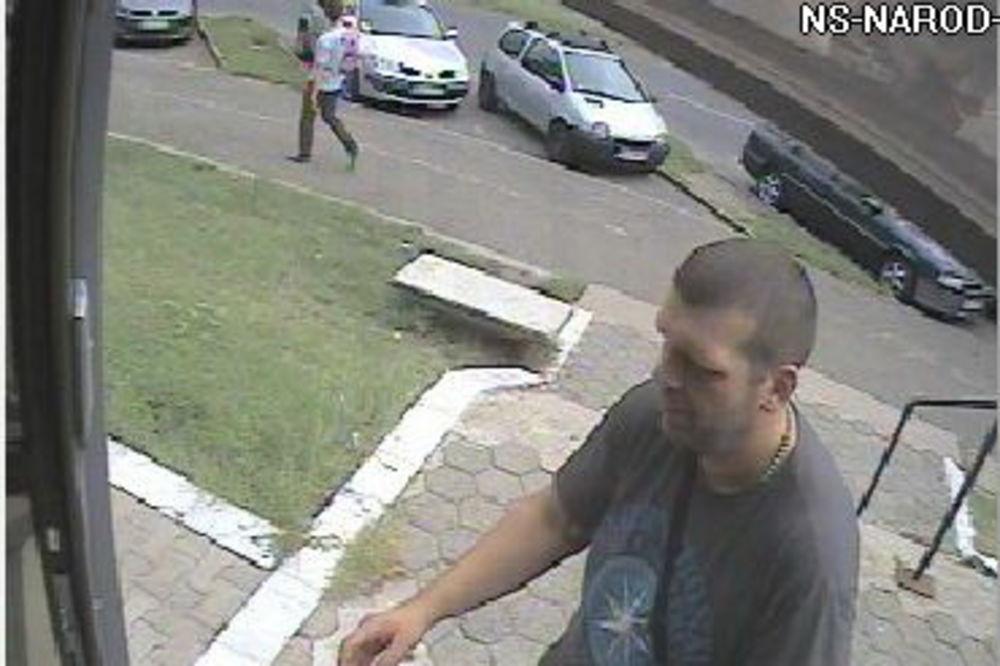 DA LI GA PREPOZNAJETE: Ovo je biciklista koji je u Novom Sadu oborio staricu i pobegao!