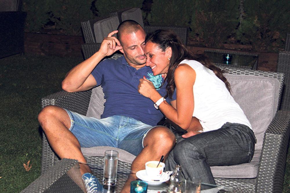 PRVE ZAJEDNIČKE FOTOGRAFIJE: Slađa hoće da rodi Milanu dete!