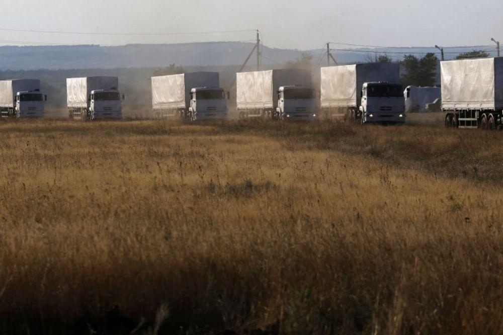 (VIDEO) KIJEV: 70 ruskih humanitarnih kamiona u Ukrajini, voze za Lugansk