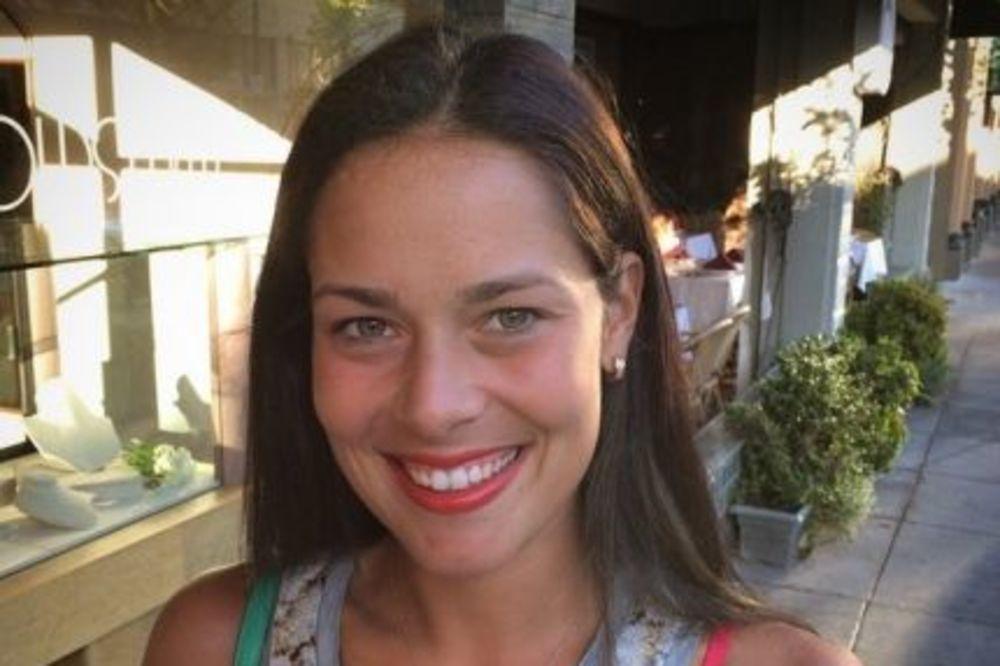 (FOTO) ZAUSTAVLJA DAH: Evo zašto je Ana Ivanović najlepša na svetu