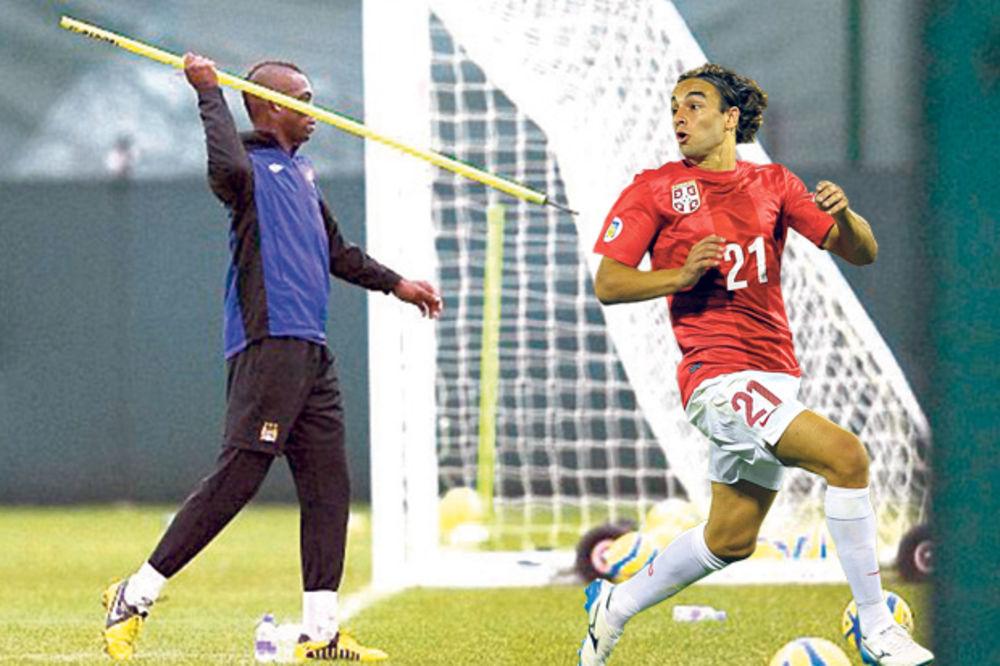 OPREZ: Lazare, pazi leđa, stiže ti ludak Mario Baloteli!