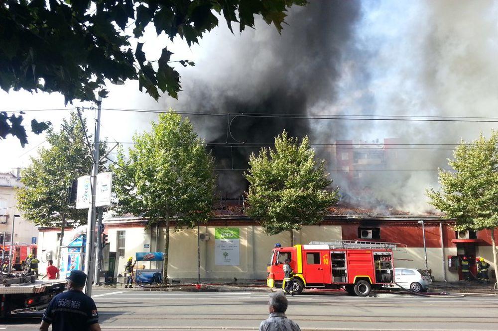 POŽAR U CENTRU BEOGRADA: Vatrogasci ostaju u pripravnosti zbog Depoa!